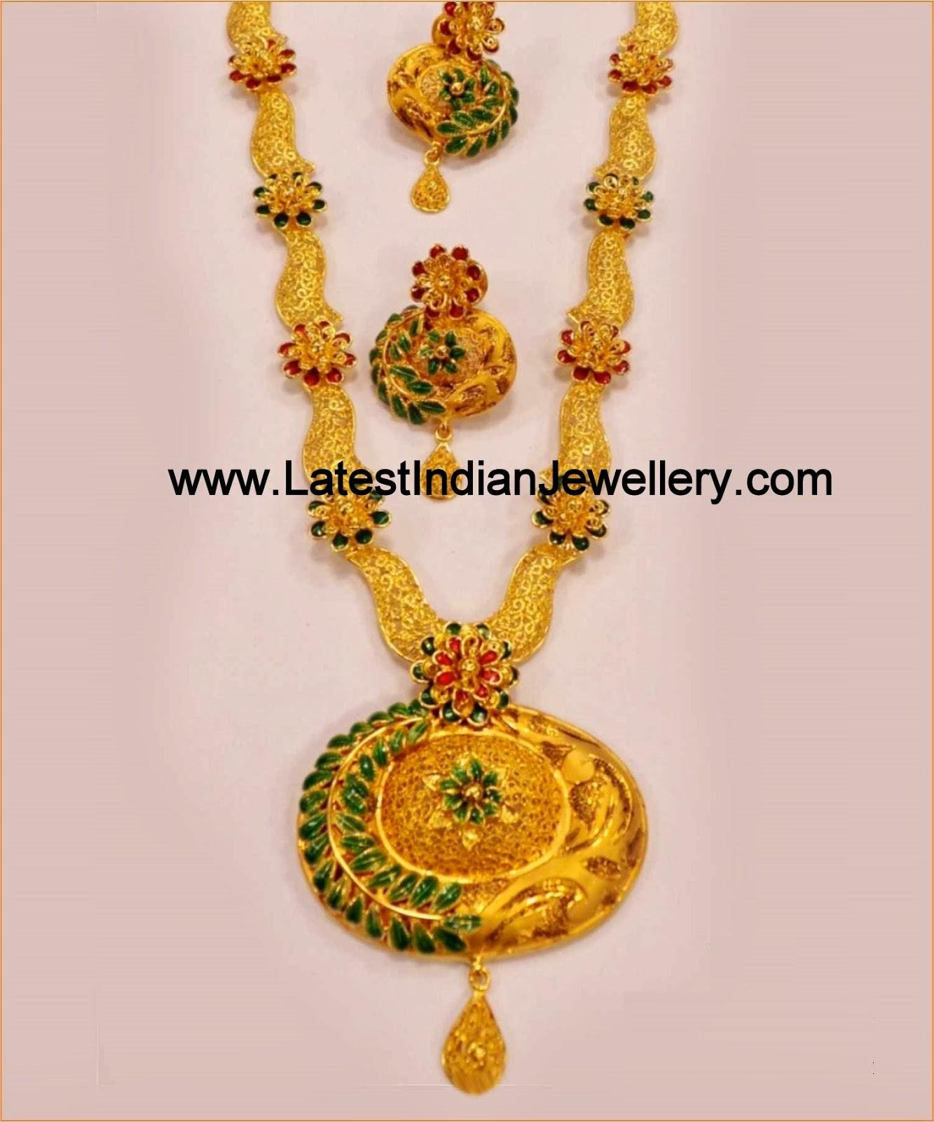 Unique Gold Wire Necklace