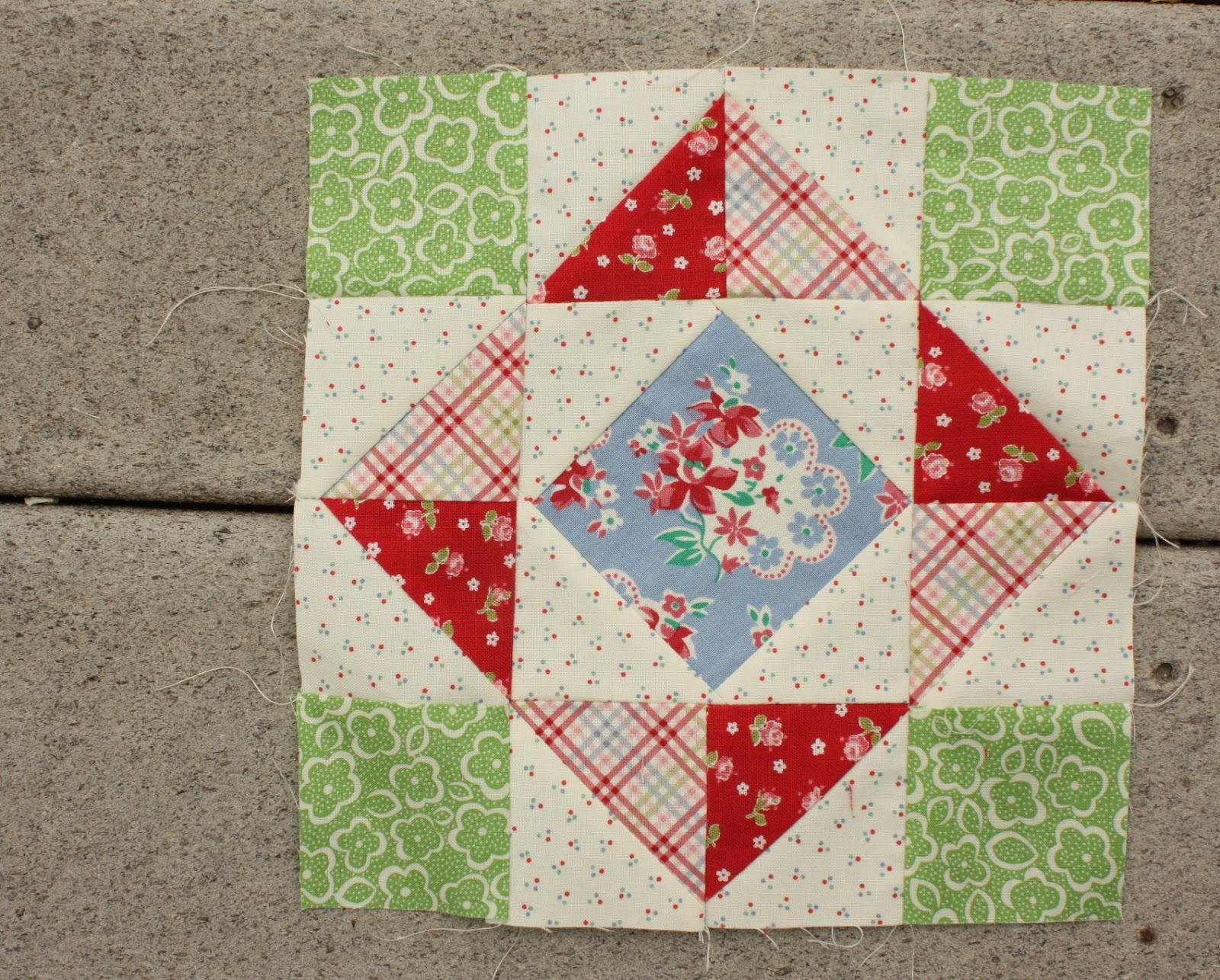 Free Quilt Patterns And Blocks : Diary Of A Quilter A Quilt Blog Beginner Fabric Party Invitations Ideas