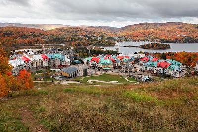 Ciudad de Mont-Tremblant en la provincia de Quebec, Canadá.
