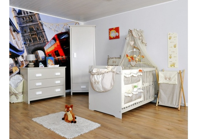 meubles chambre enfants 27 chambres bb compltes en blanc avec lit et tour de lit assortis. Black Bedroom Furniture Sets. Home Design Ideas