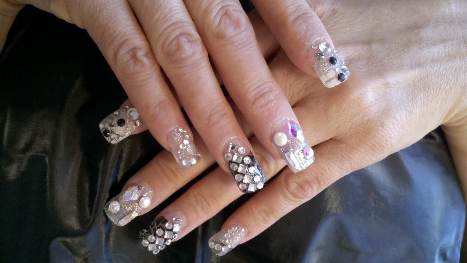Brisaida\'s Blog: January 2011 Nail Designs