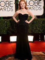 Джесика Частейн в елегантна рокля с шлейф на Versace Златен глобус 2014