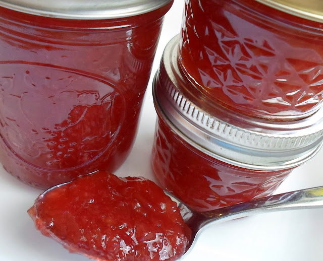 Happier Than A Pig In Mud: Rhubarb Jam Using Strawberry Jello