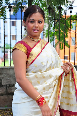 Sunakshi Hot in Silk Saree Latest Photos