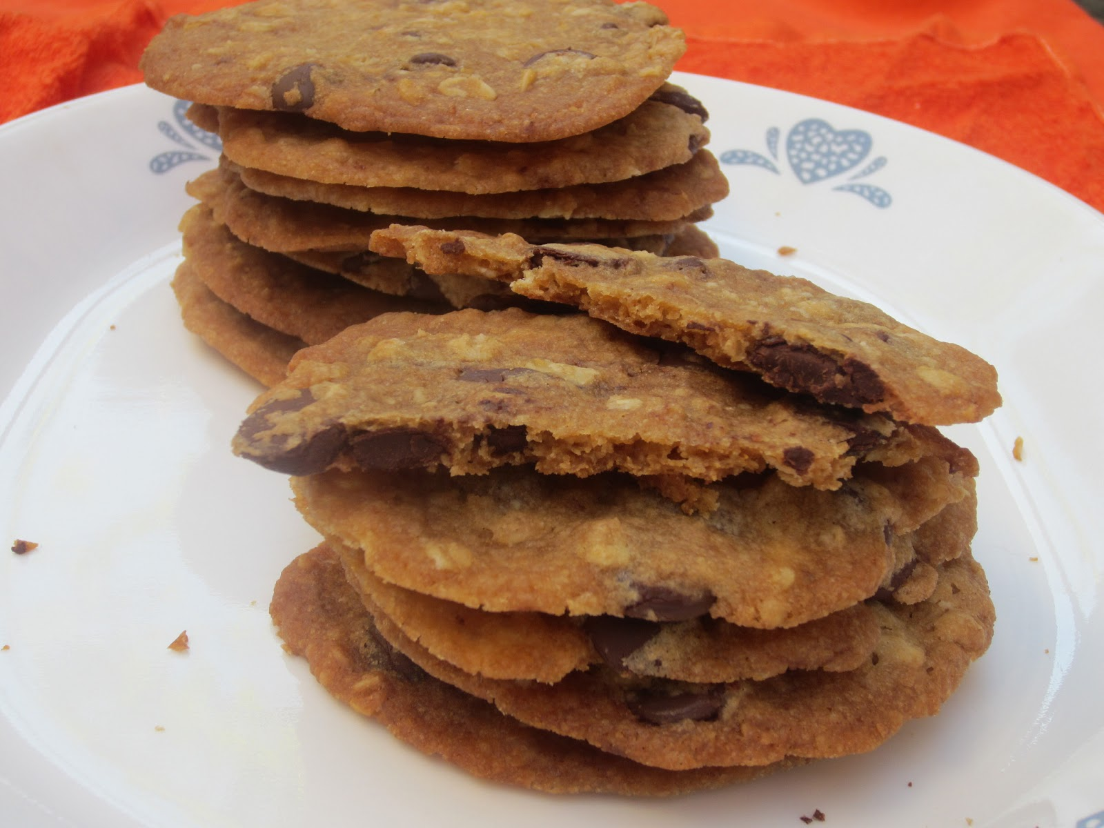 Crispy chocolate chip oatmeal cookies recipe