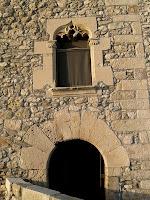 Detall del finestral gòtic del segle XVI