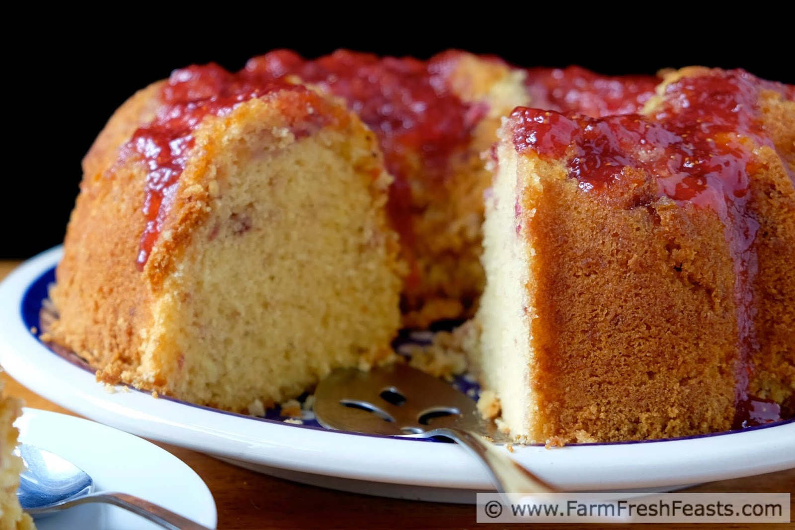 http://www.farmfreshfeasts.com/2015/04/strawberry-lemon-bundt-cake.html