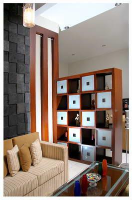 Partisi Minimalis Kotak-Kotak pemisah ruang tamu dan ruang keluarga