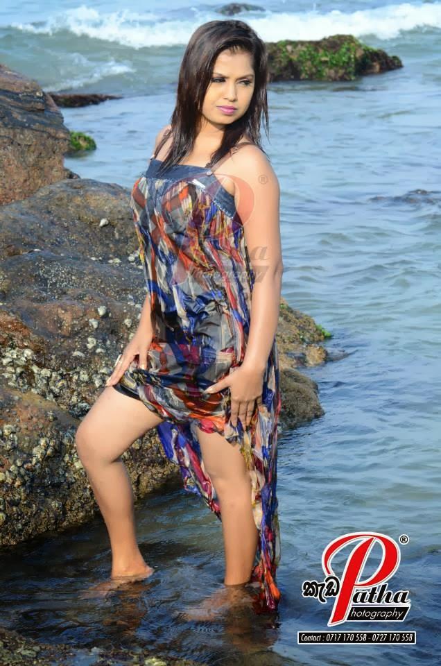 Tharu Arabewaththa thighs