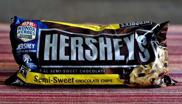 Hersheys-Semi-Sweet-Chocolate-Chips-tasteasyougo.com