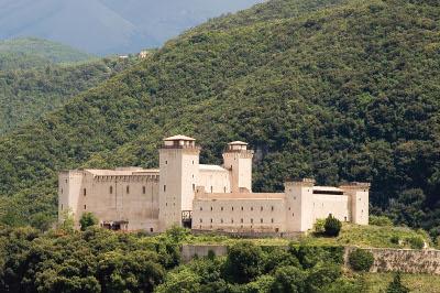 La Rocca di Spoleto, con i due alti torrioni e il grande portico