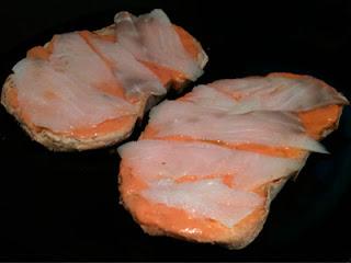 Cocina con Aníbal Tosta de salmorejo y bacalao ahumado