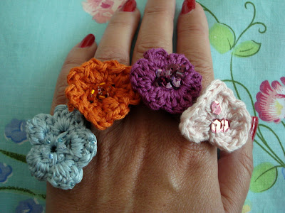crafty jewelry: field flowers on your fingers…