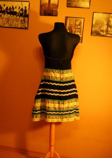 przewiewna sukienka na lato 2012