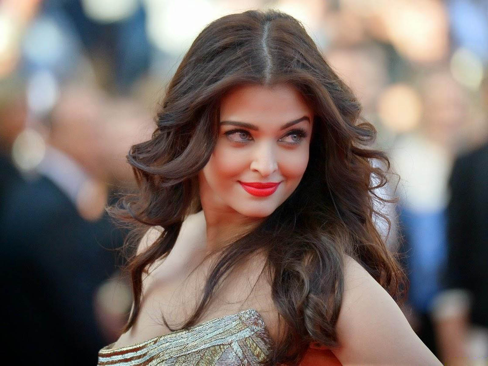 Aishwarya Rai HD Photos At Cannes Film Festival ~ All ...
