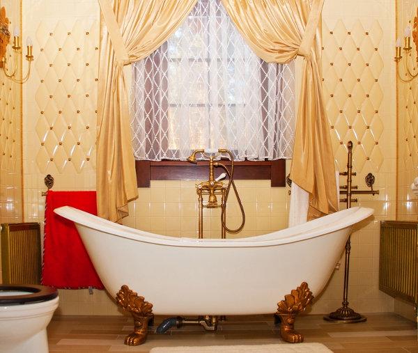 Simple Bathroom Decor
