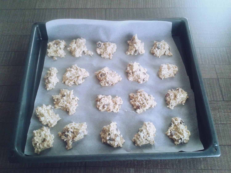 owsiane ciasteczka z rodzynkami