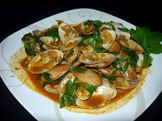 Num Prik Phao/ Stir Fried Lala Clams with Thai Style Roasted Chili ...