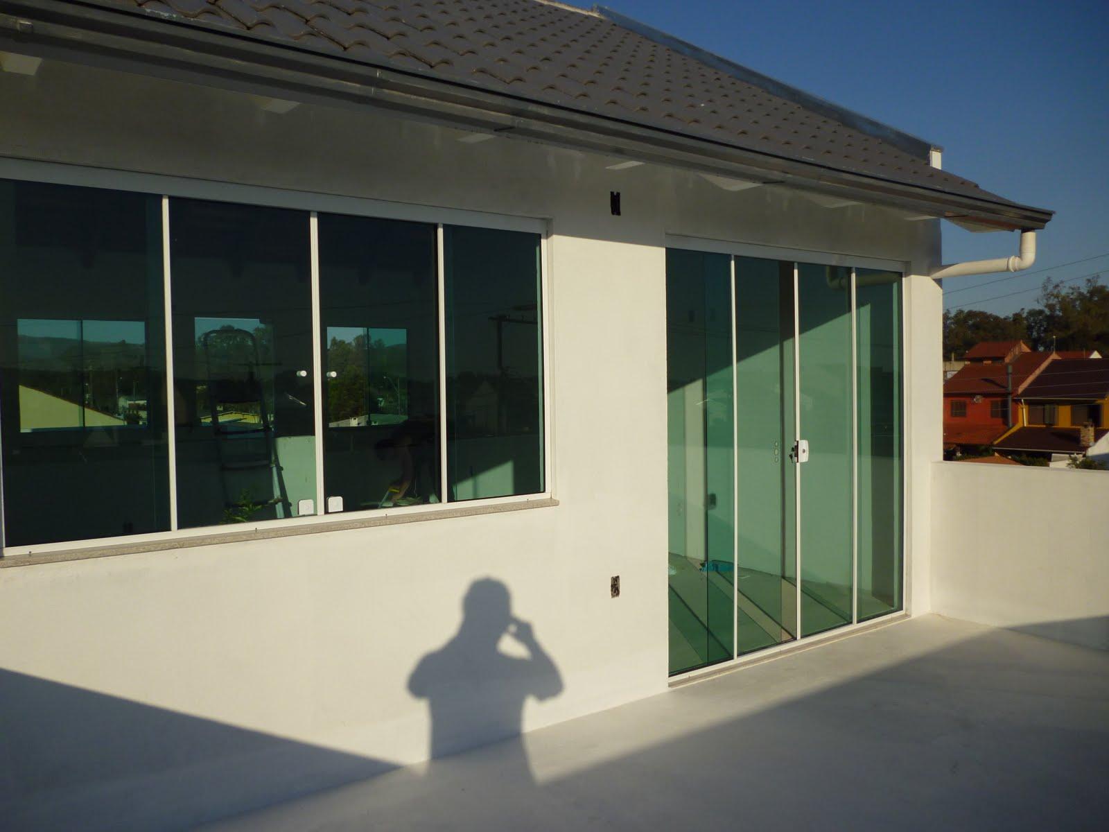 #663619  Soluções em vidros: Portas e janelas em vidro temperado Verde 216 Janelas De Vidro P Quarto