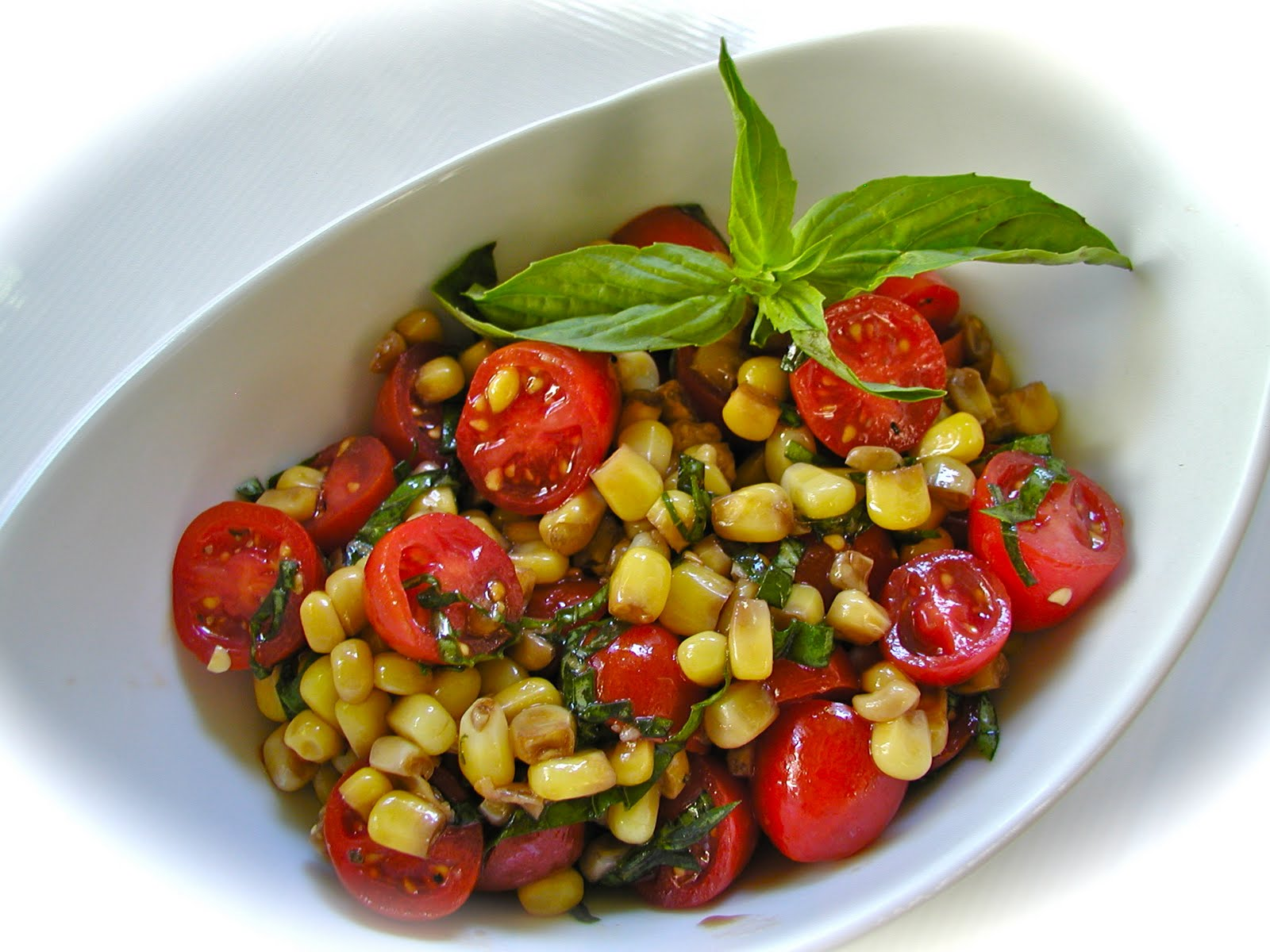 Getting Raw: Simple Fresh Corn and Tomato Salad