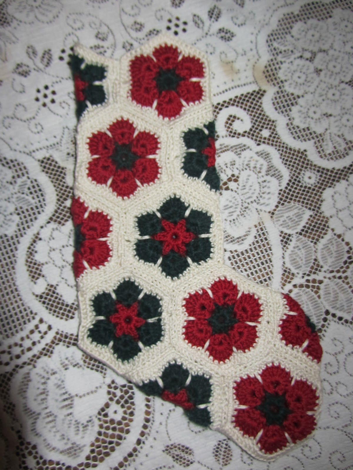 Ridgeway Cottage anyhow: Granny square Christmas