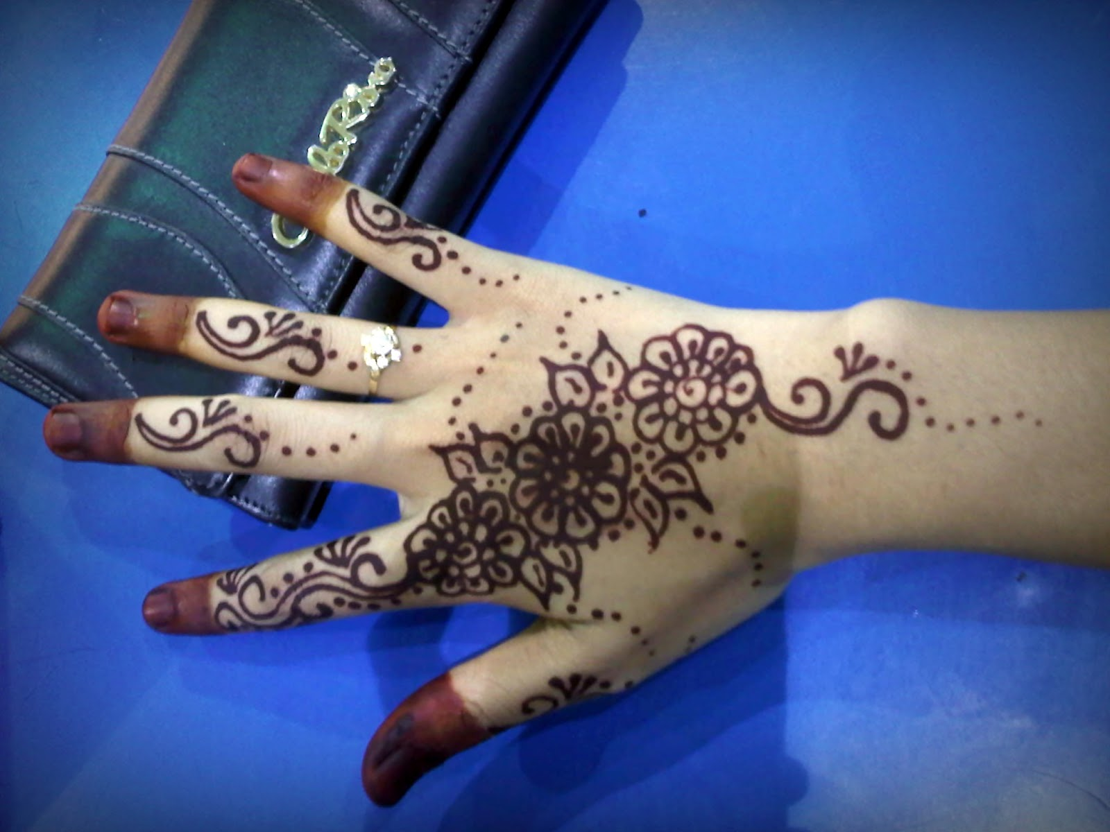 FeSeBooK Mia DaN ChinTa KiTa The Henna