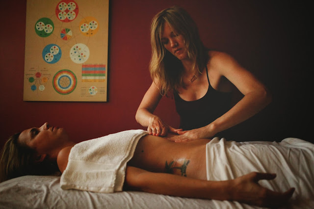 Shirodara, Ayurveda, Ayurveda Lifestyle Counsellor, Abyanga massage, Deep healing treatments, Hollow Reed Holistic, Kalee Mund