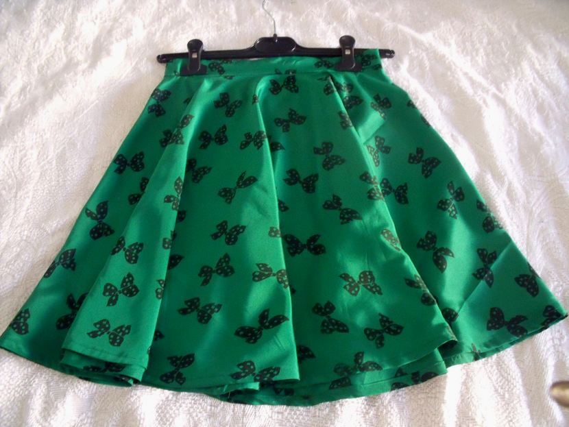 DIY skater skirt with bows - custom-made