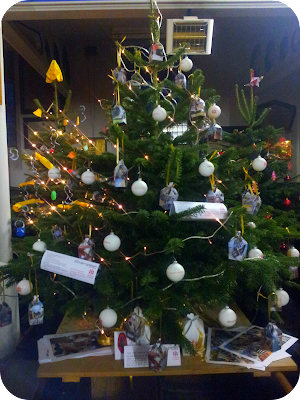Christmas tree competition, charity tree