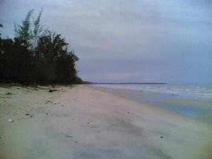 Pantai Batu Berdaun, Kepulauan Riau