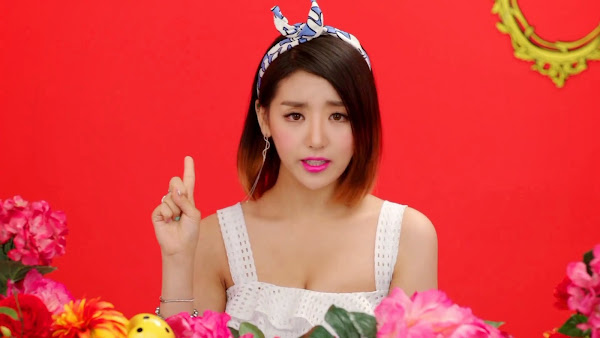 LADIES' CODE EunB KISS KISS