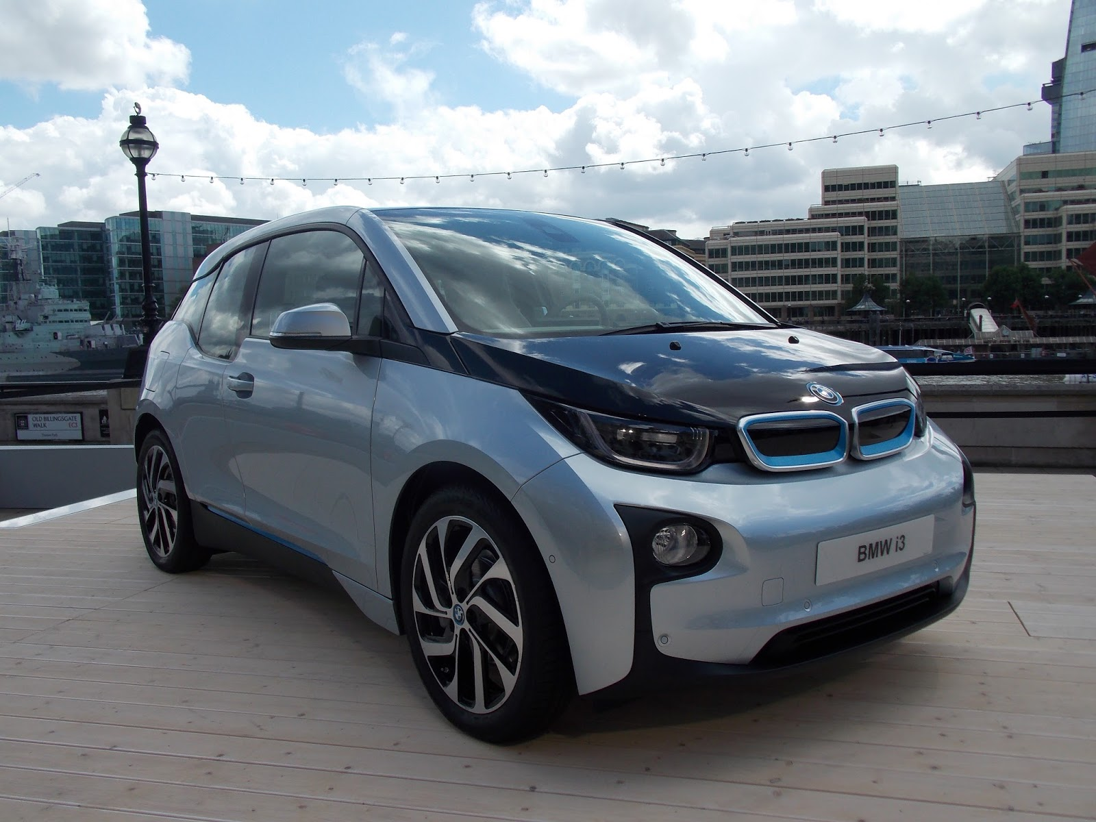 voiture communicante bmw i3 une lectrique connect e. Black Bedroom Furniture Sets. Home Design Ideas