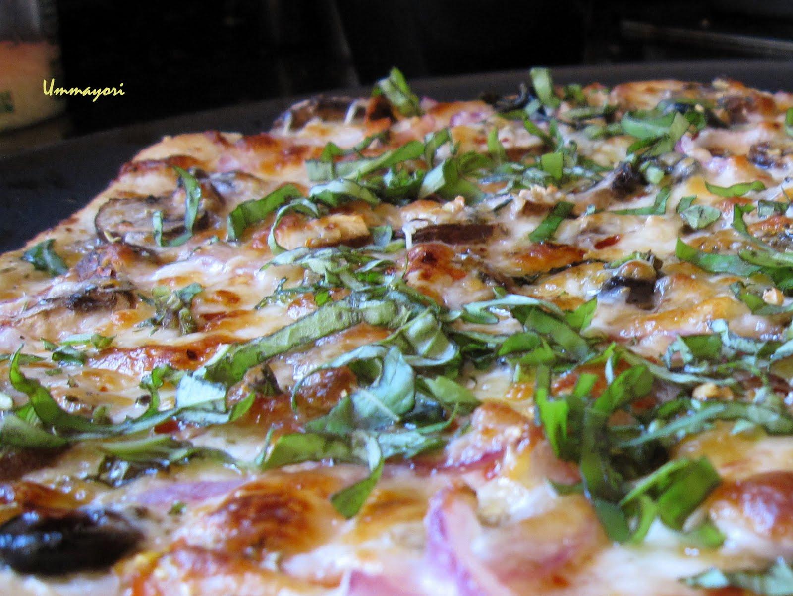UMMA YORI: White Pizza with Fresh tomatoes and Basil