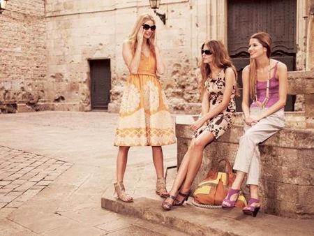 http://4.bp.blogspot.com/-WjwnrCOGS08/Tjq3zYtwQ3I/AAAAAAAABHU/NiS3DIB6Xsg/s1600/Fashion-Trends-spring-2011-1.jpg