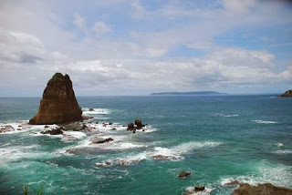 gambar pantai papuma