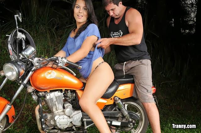 Barbara Goulart & Paulo Makri - traveco dando o cu