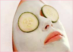 How to Yogurt Cucumber Parsley Facial Mask