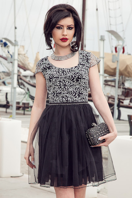 Rochie neagra scurta pentru nunta