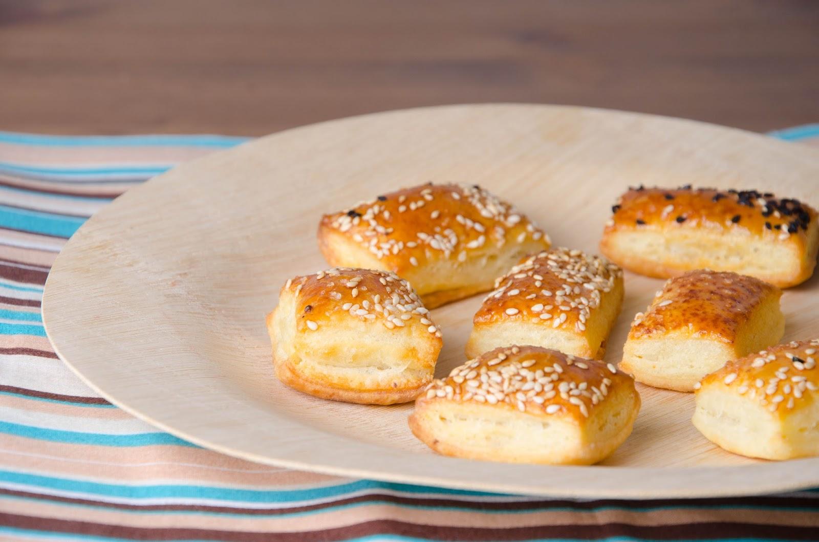 Serowe ciasteczka z pikantną posypką