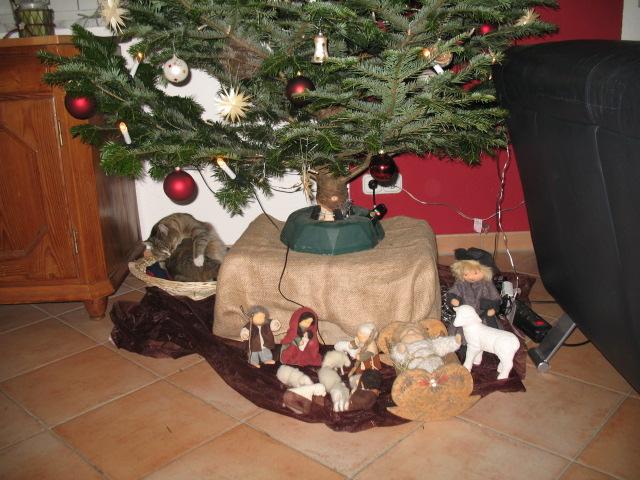 ideenreich weihnachten im stall. Black Bedroom Furniture Sets. Home Design Ideas