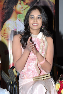 hot and sexy Bindu Madhavi telugu actress mediafire picture photo wallpapers download{ilovemediafire.blogspot.com}