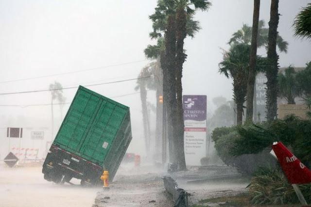 Τυφώνας Χάρβεϊ: Σε κατάσταση φυσικής καταστροφής το Τέξας