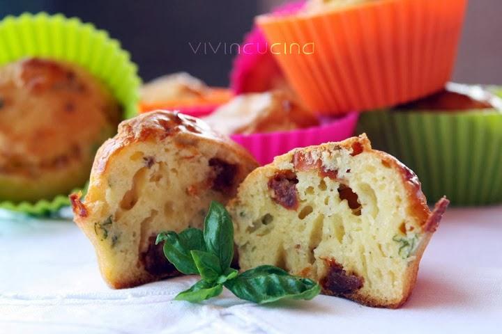 Muffin ai pomodori e percorino