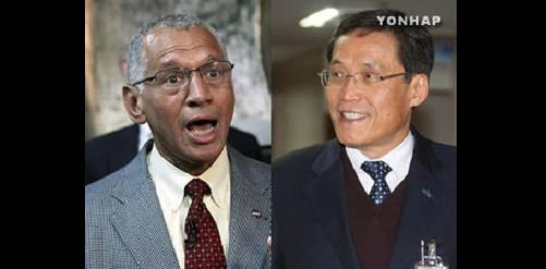National Aeronautics and Space Administration (NASA) administrator, Charles Bolden, and Kim Seung-jo, president of the Korea Aerospace Research Institute. Credit: Yonhap
