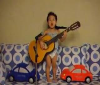 menino coreano canta hey judy
