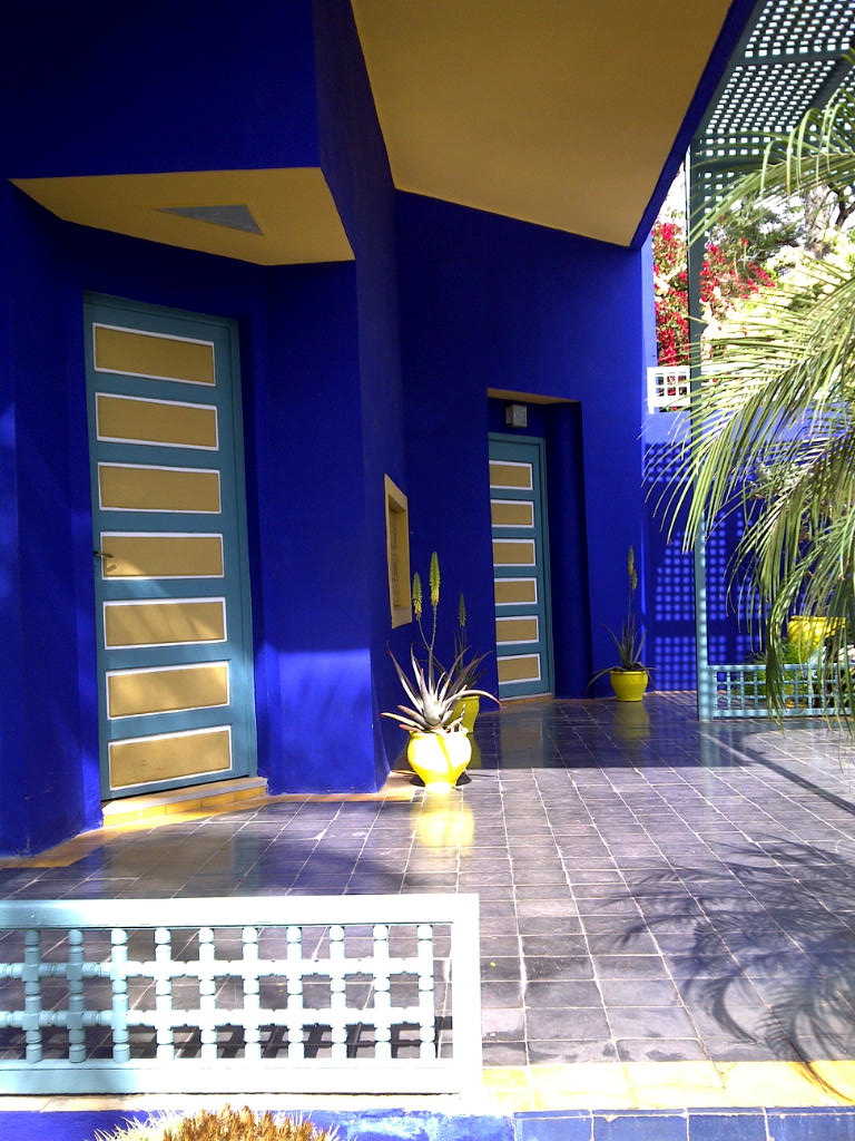 Through the french eye of design the majorelle gardens of for Les jardins de la villa slh