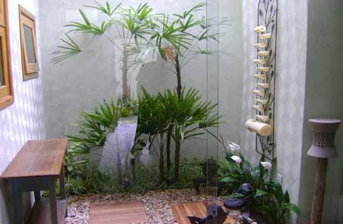 fotos de decoracao de interiores residenciais:Se o seu espaço for muito pequeno, você pode fazer o seu mini-jardim