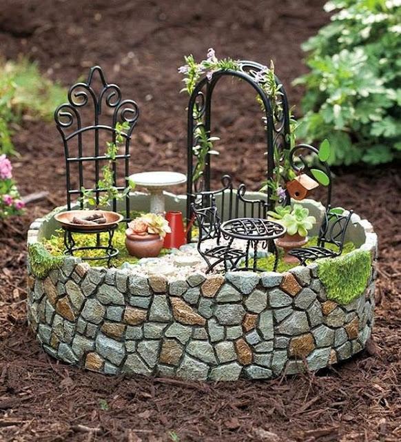 Casinha De Fadas De Cabaças, ótimo Para Enfeitar Jardins. Adorei~ Artesanato Para Enfeitar Jardins