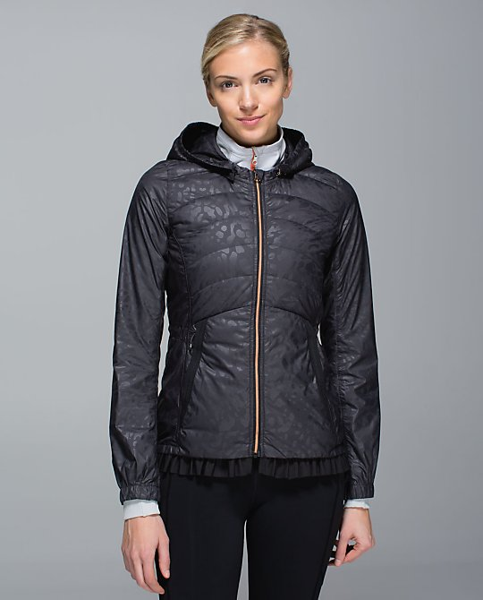 lululemon spring puffy windbreaker
