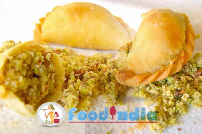 Spicy ghughra recipe ghughra diwali special snacks recipe spicy ghughra recipe ghughra diwali special snacks recipe forumfinder Gallery
